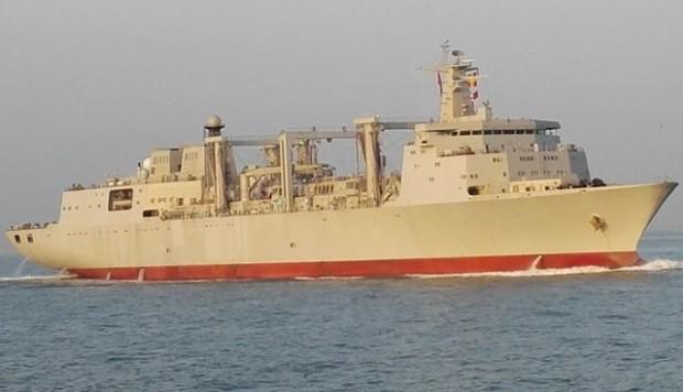 O Tipo 901 foi experimentado no mar em dezembro de 2016. Um navio adicional está atualmente sob a construção no estaleiro naval internacional do estaleiro de Guangzhou (GSI).