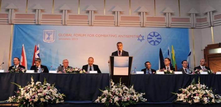 """Tolerância Segura"": O Plano Sionista para Silenciar Permanentemente o Ocidente. [Parte 2]"