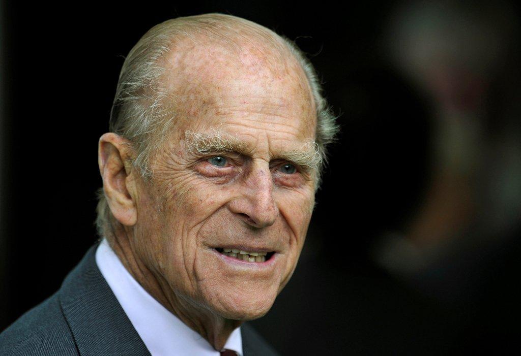 Morre o príncipe que queria 'retornar à Terra reencarnado como um vírus mortal para reduzir a população'.