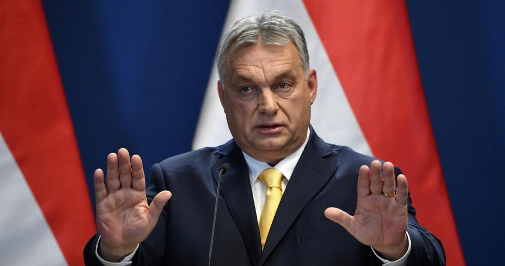 A Hungria aprova uma lei que proíbe, a exibição de material sobre a homossexualidade ou o transgenerismo para crianças.
