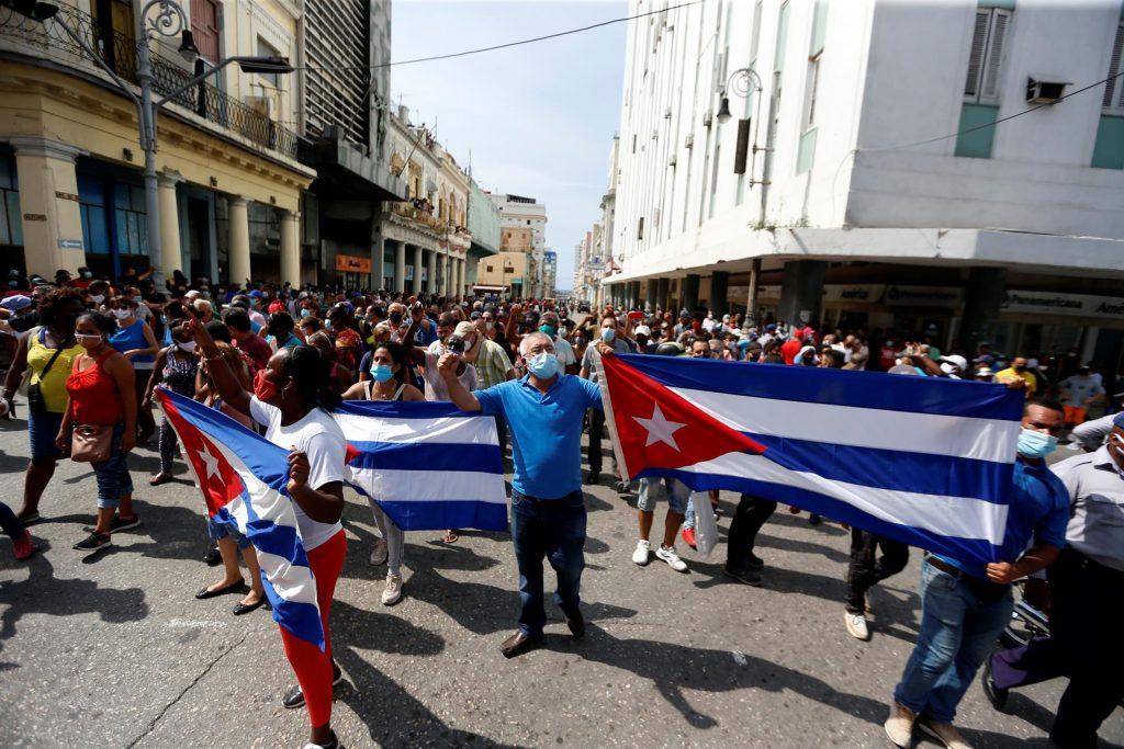 A recente agitação em Cuba: Um exemplo de falsa notícia e guerra da mídia.